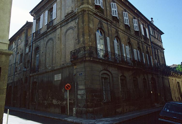 maison dite hôtel Villeneuve d'Ansouis