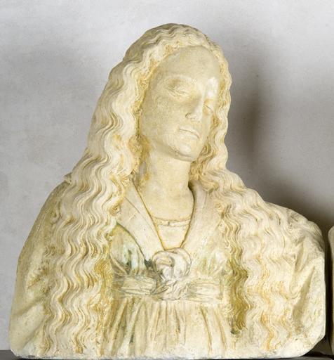 Tête : tête de sainte femme