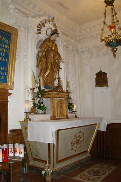 Décor et mobilier de la chapelle de la Vierge (autel, tabernacle, retable, lambris de revêtement, clôture de chapelle)