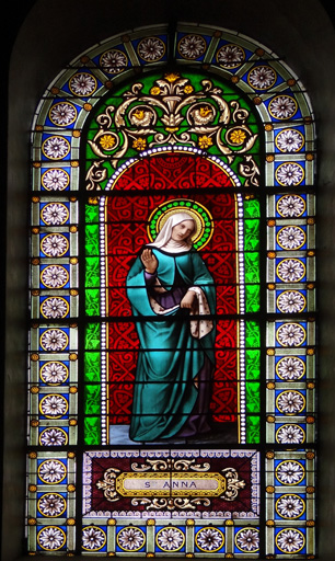 Verrière à personnage n?1 : sainte Anne