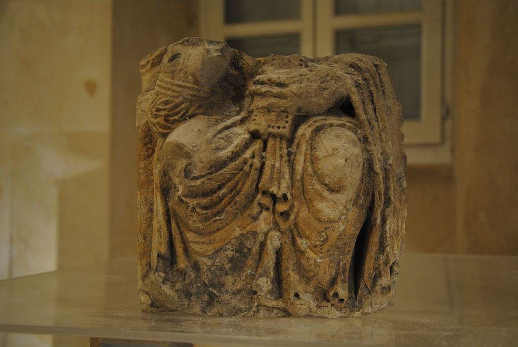 statue : Christ en majesté, vue générale