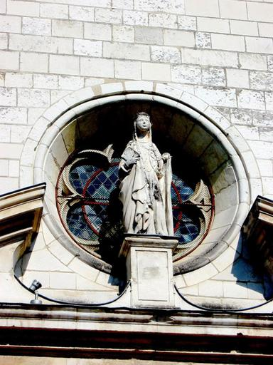 portail ouest (extérieur), au centre