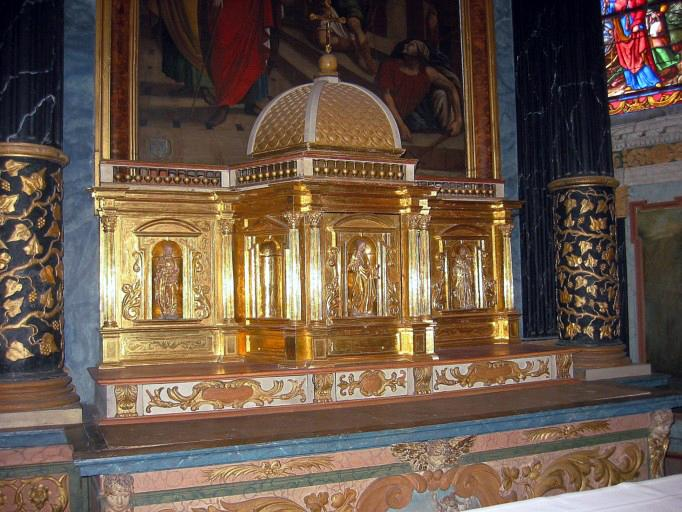 Tabernacle et 3 statuettes : Christ, saint Pierre, saint Paul
