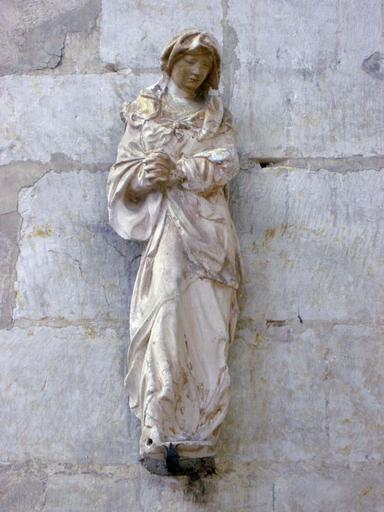 Statue : Sainte femme