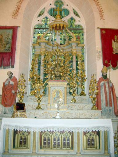 Retable, exposition, tabernacle et autel reliquaire