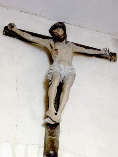 Sculpture : Christ en croix
