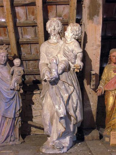 Statue : Vierge à l'Enfant (déposée en mairie)