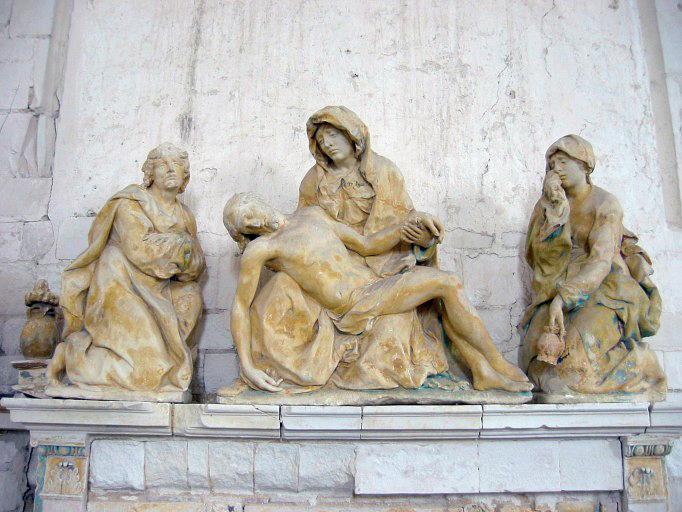 3 statues : Vierge de Pitié, sainte Madeleine, saint Jean