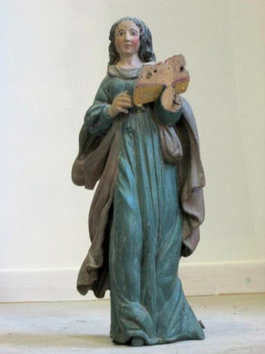 Statuette : Sainte tenant un livre