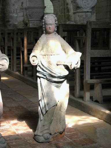 2 statues : Saintes Agathe et Anne (?)