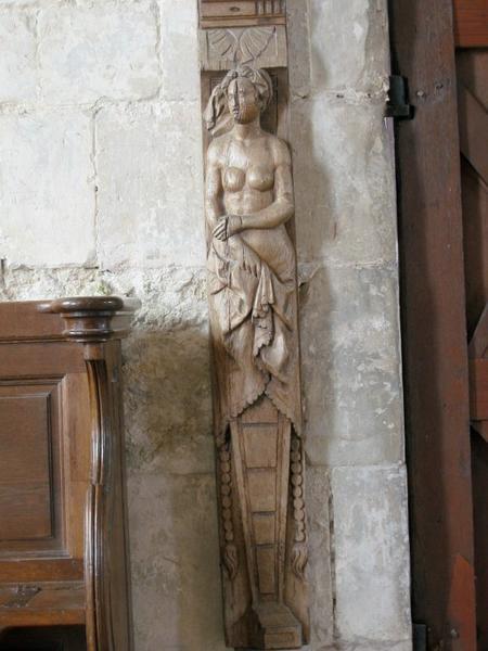 4 sculptures : Cariatides