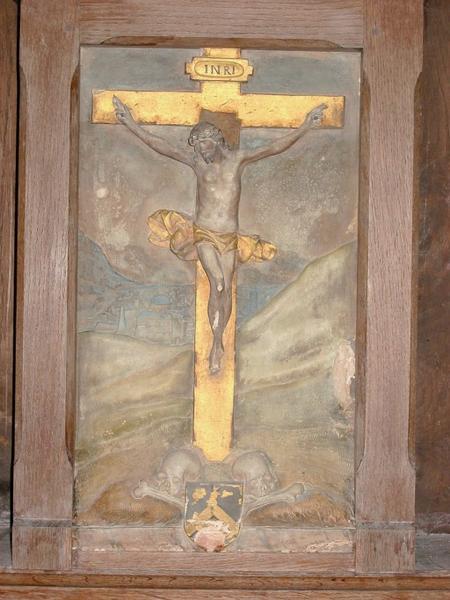 Haut-relief : Christ en croix