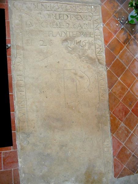 Dalle funéraire de Jean Vougré et de sa femme