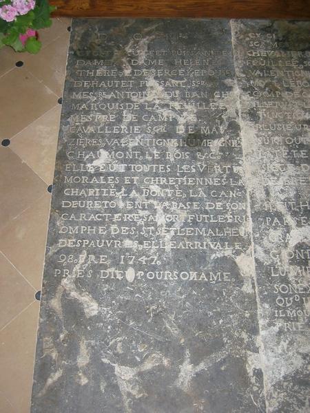 Dalle funéraire de Hélène-Thérèse de Sarcey