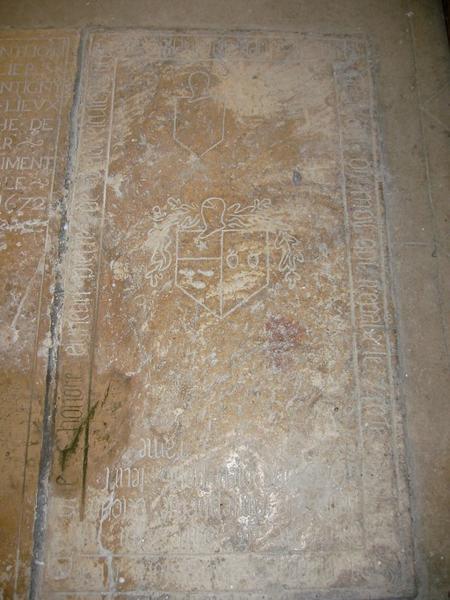 Dalle funéraire de Pierre de Bretel et de son fils
