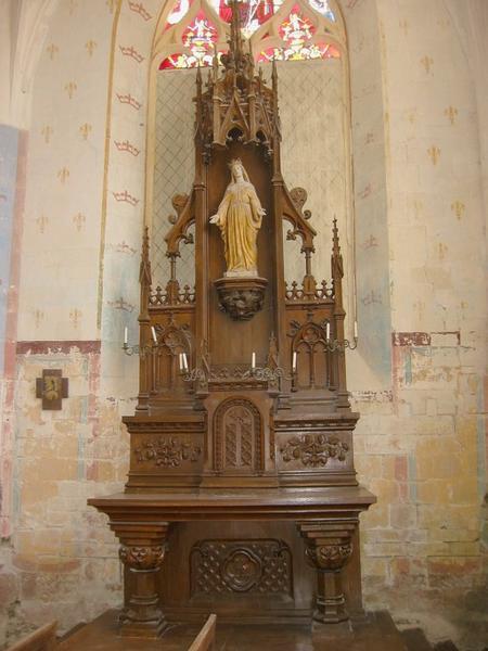 Autel et retable, tabernacle, degré d'autel