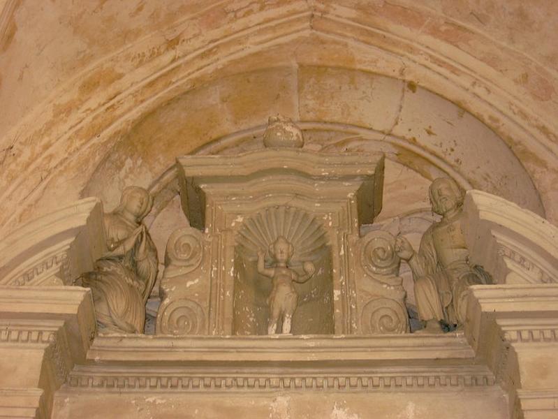 3 statues : Sainte Famille
