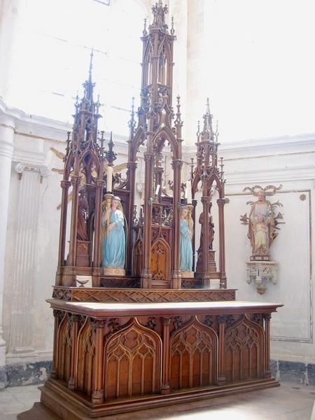 Maître-autel et retable