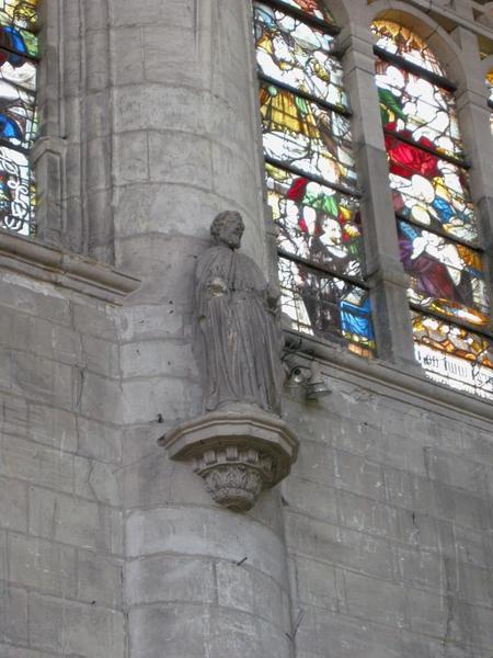 Statue : Saint Pierre (?)