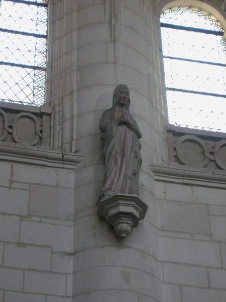 Statue : Vierge (?)