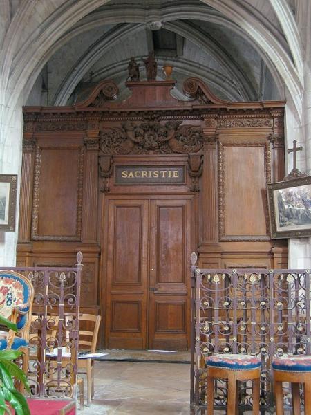 Vantail de porte de sacristie