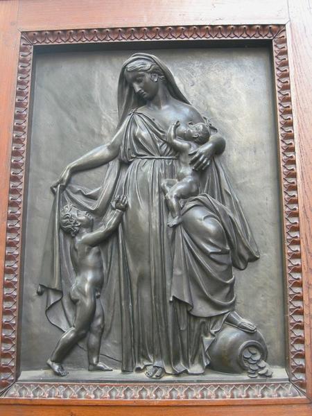 4 bas-reliefs : Foi, Espérance, Deux Charités
