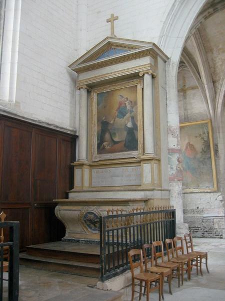 Autel et retable de la 4e chapelle nord