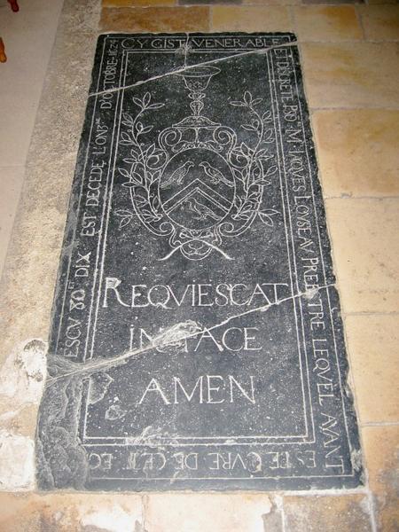 Dalle funéraire de Jacques Loyseau, prêtre