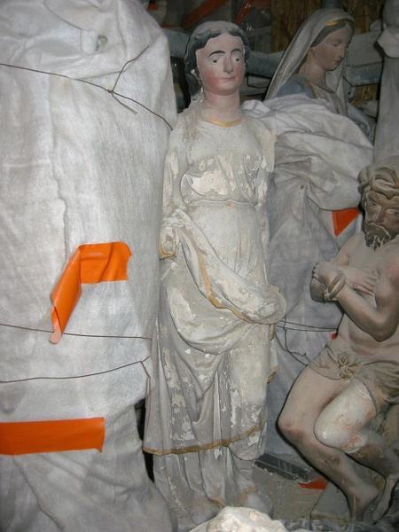 Statue : Sainte martyre, ou Vierge (?)