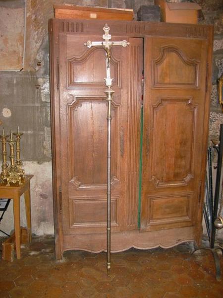 Bâton de procession : Christ en croix