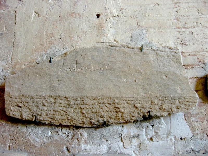 Inscription sur morceau de sarcophage (?)