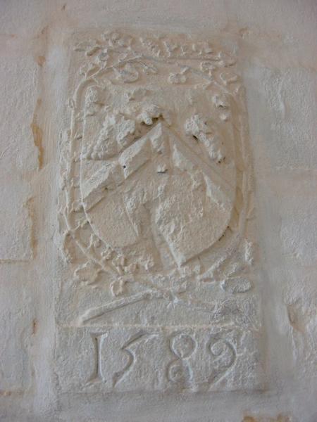 Dalle commémorative (armoriée)