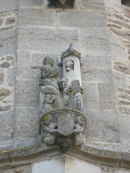 Groupe sculpté : Sainte Barbe
