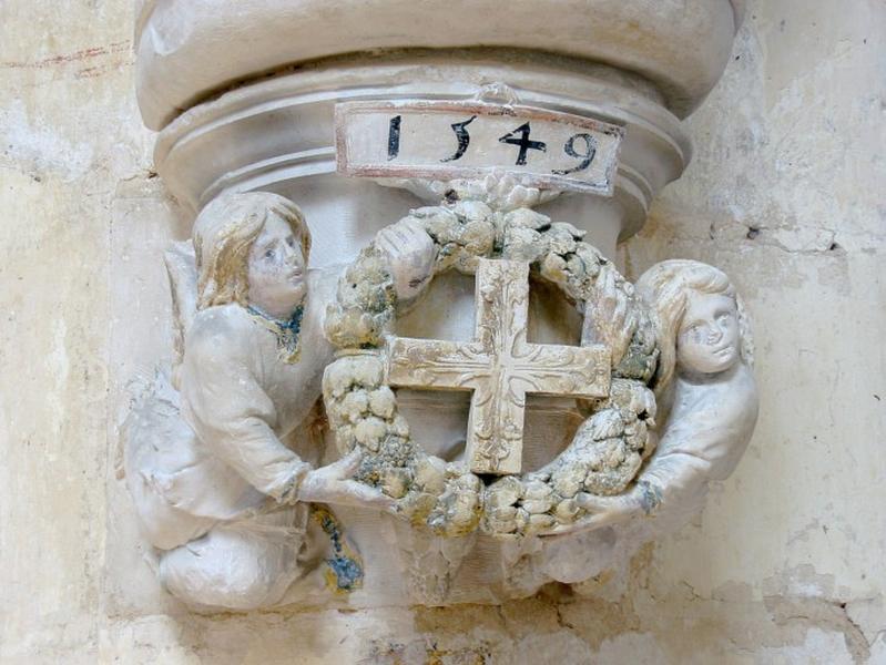 12 culots avec croix de consécration