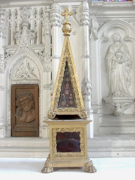4 reliquaires-obélisques