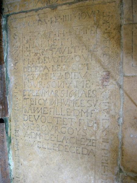 Dalle funéraire de Jean Jardin, Charlette Chrestault et sa fille Suzanne