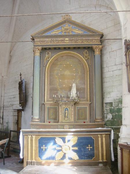 Autel et retable, tabernacle