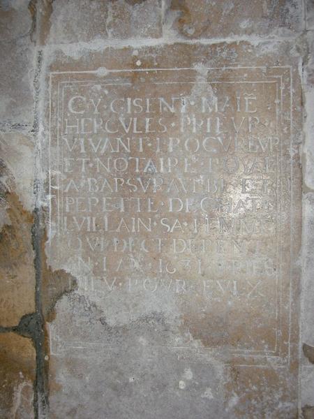 Dalle funéraire de Hercule Prieur et Perette de Châteauvillain sa femme