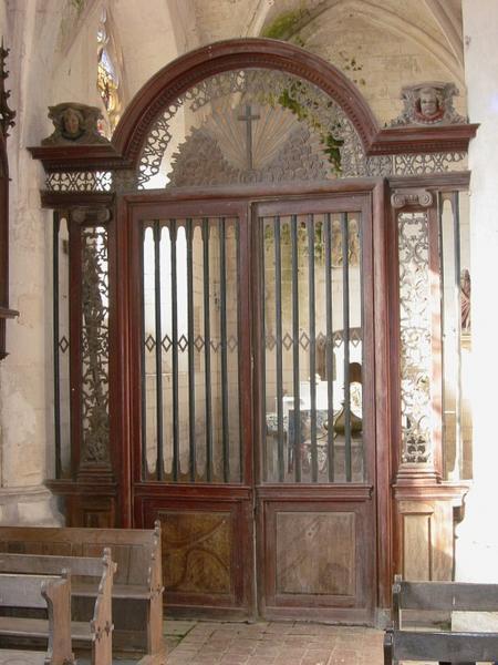 Clôture des fonts baptismaux, clôture de chapelle