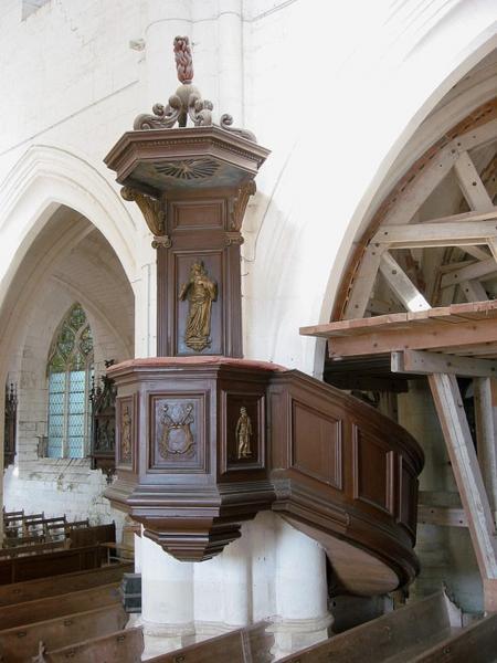 Chaire à prêcher, sculptures
