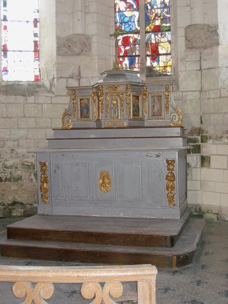 Autel, tabernacle avec Vierge à l'Enfant