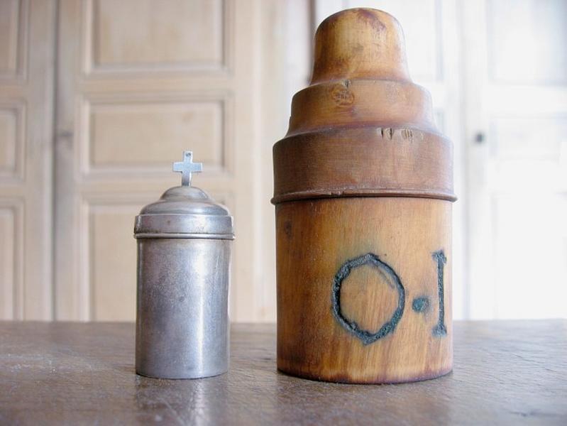 Boîte à huile des malades