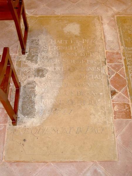 3 dalles funéraires des Hennequin