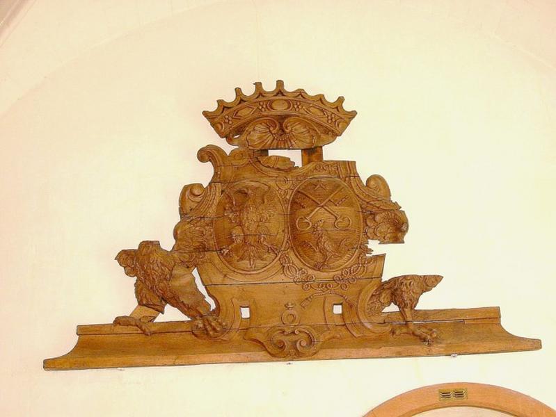 Panneau sculpté avec armoiries