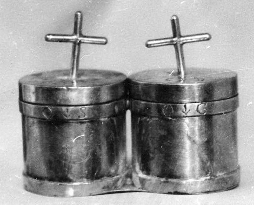 Coffret aux saintes huiles avec ampoules (chrémeau)