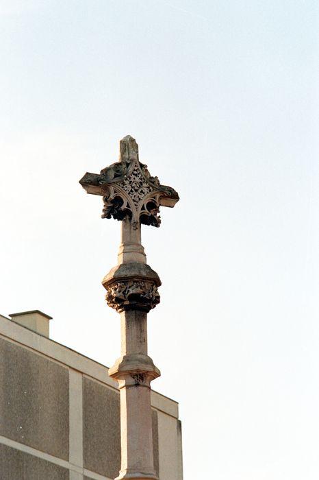 Croix dite Croix Mâchefer, vue partielle
