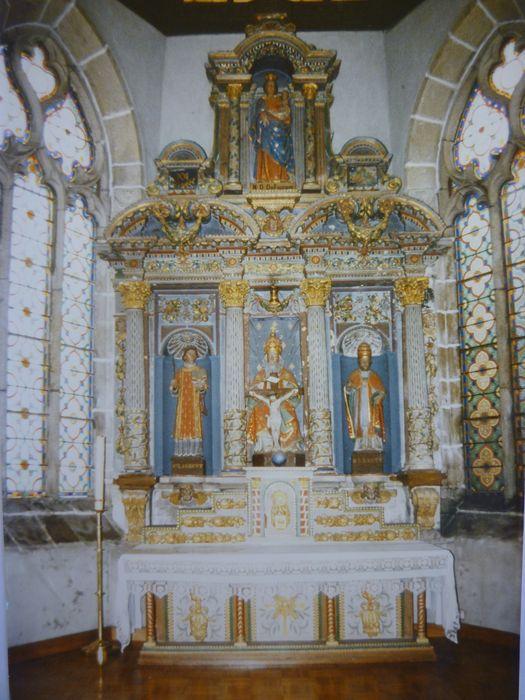 Maître-autel de la sainte Trinité ; statue : Vierge à l'Enfant dite Notre Dame du Folgoët ; 3 statues : Saint Laurent, Sainte Trinité, Saint Sixte