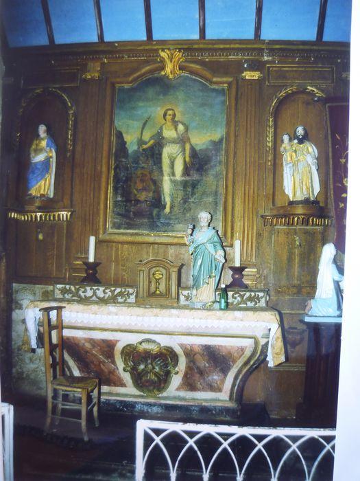 Boiseries ; autel ; tabernacle ; tableau ; 2 statues : Saint Joseph, Sainte Femme
