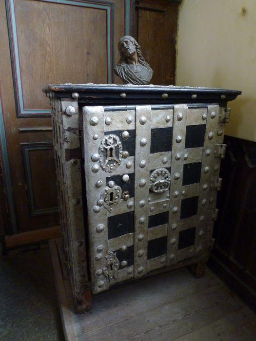 armoire de fabrique, vue générale