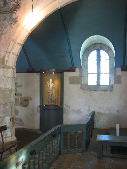 Clôture d'autel : table de communion
